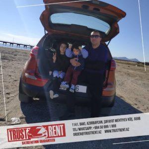 Аренда авто в Баку / С семьей на прогулу на вместительном автомобиле