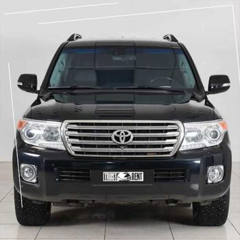 The legendary SUV Toyota Land Cruiser 200 can be rented at a special price already today. When renting from 3 days you will receive an additional discount of -15%. Call now!